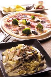 Pizzeria Mattone (ピッツェリア  マットーネ)