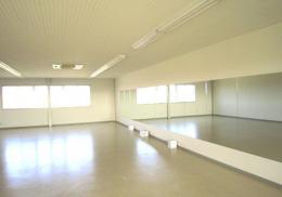Straw Dance School(ストローダンススクール)