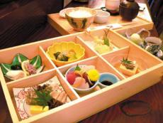 魚/厨/房/DINING いく